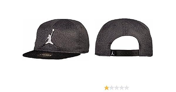 Amazon.com  Nike Jordan Elephant Print Snapback Cap - Youth Boy s 8 20   Sports   Outdoors 19bcd7db004