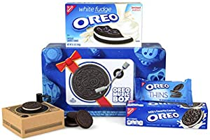 Oreo Music Box—Cookie Record Player – Collectible Holiday Gift Tin – Includes White Fudge Oreo, Regular Oreo, Oreo Thins