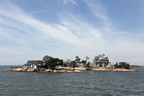 (Branford, CT Photo - Thimble Islands archipelago in the Long Island Sound, Branford, Connecticut - Carol Highsmith)