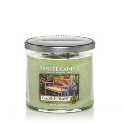 Yankee Candle Garden - Yankee Tumbler Candle - Medium (Garden Hideaway)
