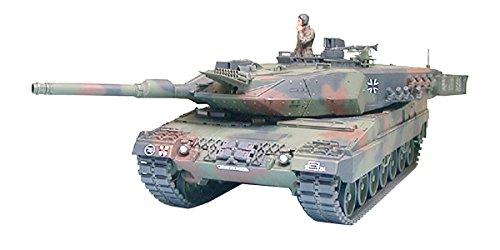 Leopard 2 Main Battle Tank (Leopard 2a5 Main Battle Tank - 1:35 Scale Military - Tamiya)