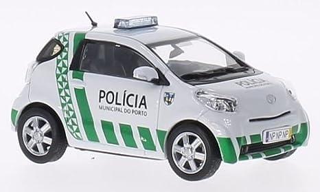 1:43 J-Collection Toyota IQ Policia Municipal 2013