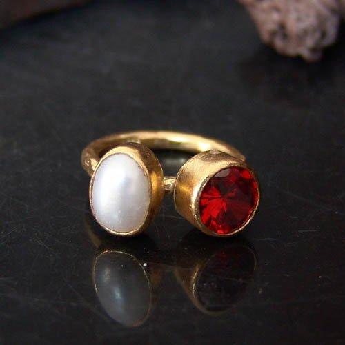 - 925 k Sterling Silver Garnet & Pearl Ring 24k Yellow Gold Vermeil, Turkish Jewelry Ring, Statement Ring, Handcrafted Jewelry, Artisan Jewelry, Women Ring, Roman Art