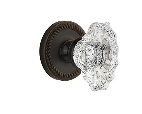 Grandeur Newport Rosette with Biarritz Knob, Privacy - 2.375