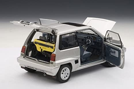 Amazon.com: Auto Art (AUTOart) AUTOart 1/18 Honda City Turbo II (Silver) ※ Motokonpo/yellow PVC: Toys & Games