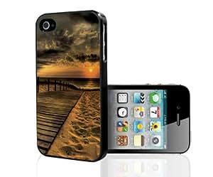 Beautiful High Contrast Beach Sunset on Boardwalk Hard Snap on Phone Case (iPhone 5/5s)
