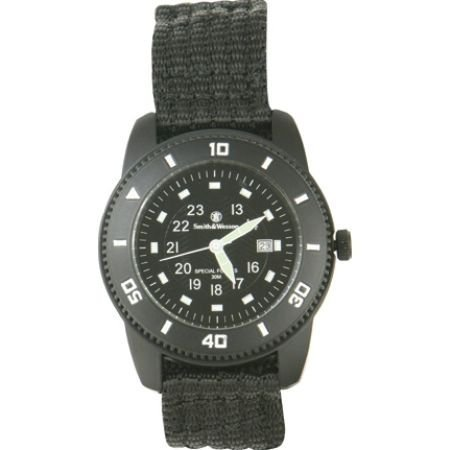 smith-wesson-mens-commando-watch-with-3atm-japanese-movement-stainless-steel-caseback-glowing-hands-
