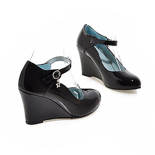 Allhqfashion Dames Effen Pu Hoge Hakken Ronde Gesloten Gesp Pumps-schoenen Met Metaal Zwart