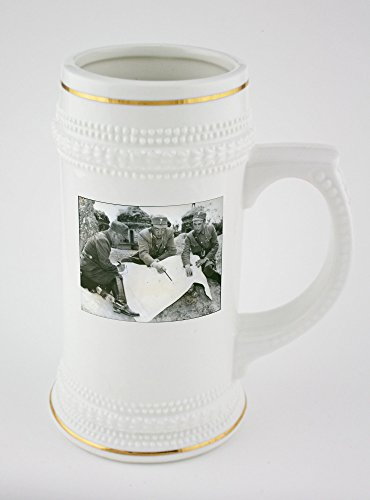 beer-mug-with-golden-rim-of-left-to-right-brig-gen-li-hsueh-pin-lt-gen-soong-hsi-lien-and-brig-gen-c