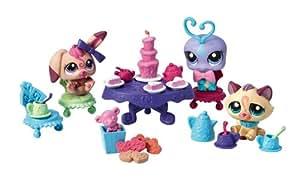 Hasbro Littlest Pet Shop y sus accesorios Hora del té - Set de 3 mascotas con accesorios tematizados (perro, gato, bichito)