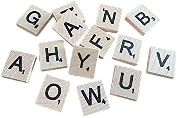 Trimming Shop Conjunto de 200 Madera Scrabble Azulejos Letras con 1 Estantería Soporte Set para Tabla Juegos, secoración de Pared & Artes y Manualidades Pack of 800: Amazon.es: Hogar