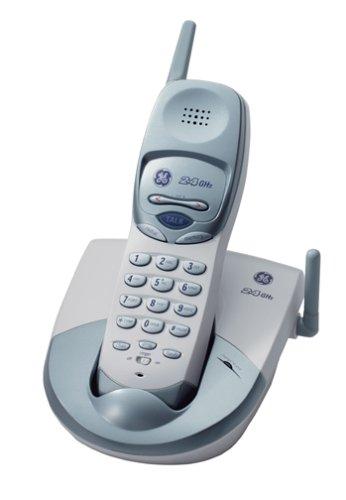 GE 27928GE5 2.4 GHz Analog Cordless Phone (White)
