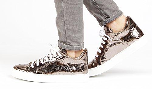 MAISON MARGIELA PARIS Cracked-Metallic-Bronze Leather Low Top Sneaker (10 US / 43 EU) 3NwwhyK