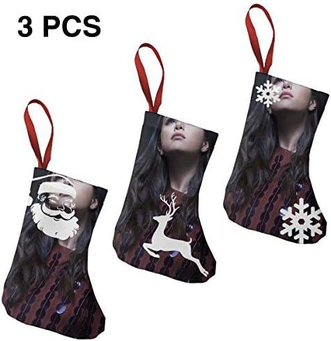 クリスマスの日の靴下 (ソックス3個)クリスマスデコレーションソックス 音楽セレナ ゴメスSelena Gomez クリスマス、ハロウィン 家庭用、ショッピングモール用、お祝いの雰囲気を加える 人気を高める、販売、プロモーション、年次式