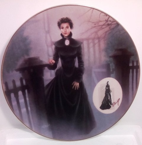 The Mourning Gown Collector Plate (Costuming of a Legend: Dressing Gone With The Wind Collection)