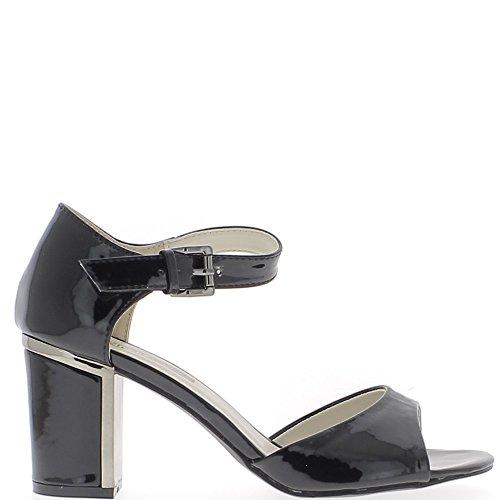Sandales noires à talon carré de 7,5cm vernies avec bride large