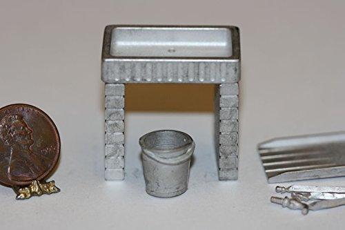 Dollhouse Miniature 1:24 Scale