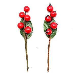 WSSROGY 24Pcs Artificial Red Holly Leaves Berry Picks Stems Fake Winter Christmas Berries for Christmas Party and Wedding Decorations 30