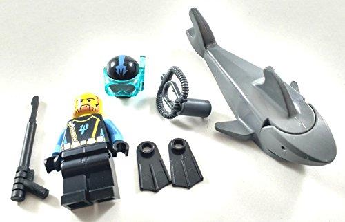 Lego AQUA RAIDERS DIVER Minifigure + SHARK + Accessories