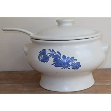 Pfaltzgraff Yorktowne Soup Tureen with Ladle