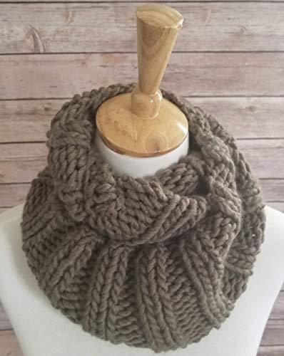 Womens Olive Green Chunky Knit Merino Wool Infinity Scarf ()