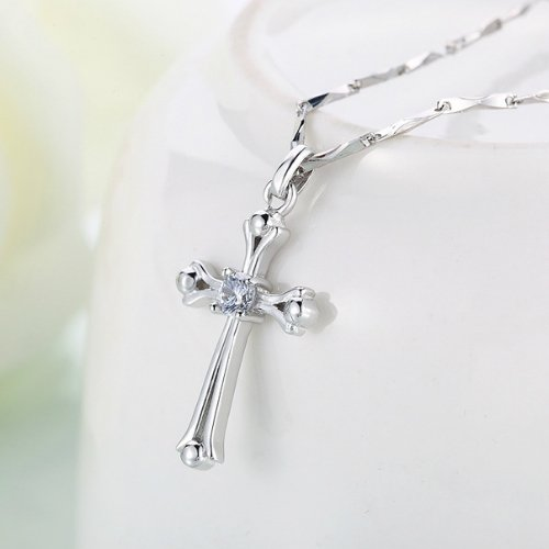 925 sterling silver cross necklace pendant women girls models in Europe and America fashion simple crystal diamond necklace pendant chain clavicle short paragraph