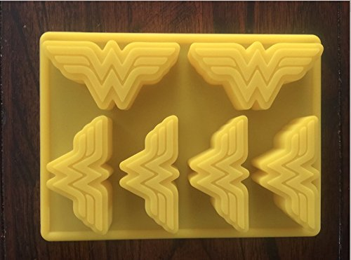 (WONDER WOMAN LOGO SILICONE CANDY CHOCOLATE MOLD CUPCAKE PAN BIRTHDAY)