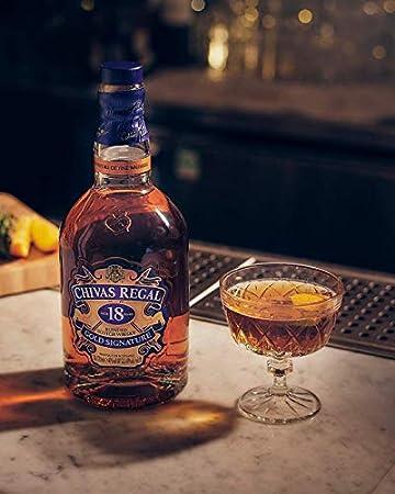 Chivas Regal 18 años Whisky Escocés de Mezcla Premium + Pack regalo 2 vasos - 700ml