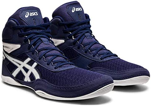 41XS%2Br 2LrL. AC ASICS Men's Matflex 6 Wrestling Shoes    Built to provide you with confidence on the mat, the ASICS unisex MATFLEX 6 wrestling shoe is a must-have for wrestling professionals from all backgrounds. When you're striving to make it to the end of the match and hopefully walk away with the win, you'll need to know that your wrestling shoes will help you go the distance. The great news is that the MATFLEX 6 has been equipped with a California lasting for superior durability. The mesh insole also works to keep you comfortable as you push yourself (and your opponent). It allows fresh air to circulate and refresh the skin, keeping uncomfortable dampness at bay. Furthermore, a EVA sockliner ensconces the foot in unrivalled support, giving you that second wind that you need to gain the upper hand. Comfort, stability and durability. The ASICS unisex MATFLEX 6 wrestling shoe has it all.