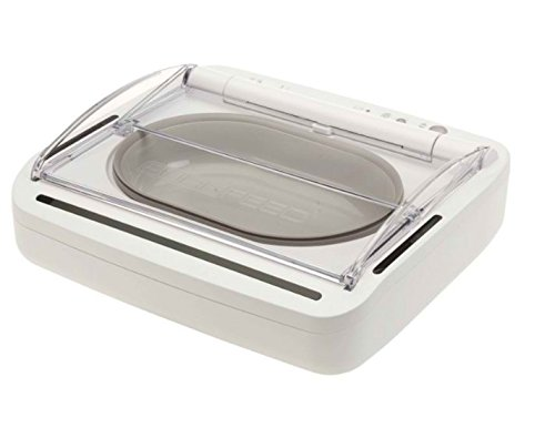 Compact Sealed Pet Bowl with Built-in Motion Sensor Keeps Wet Food Moist and Away from Insects Suitable for Cats and Small Dogs