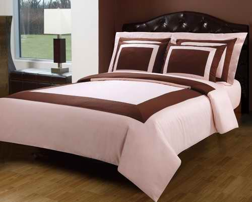 Queen Size Blush (pink) and Chocolate Hotel Style Down Alternative Bed in a Bag (Bed N Bag Sets Queen Pink)