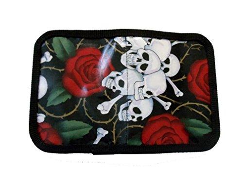 Goellerbags Geldbeutel aus Plane und laminierter Baumwolle Skull. H 11, B 14,5 cm,
