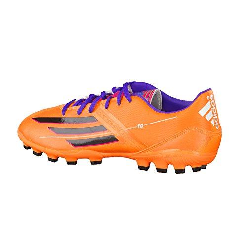 Adidas F10 TRX AG es un bota de fútbol