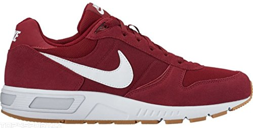 Nike , Baskets pour homme rouge