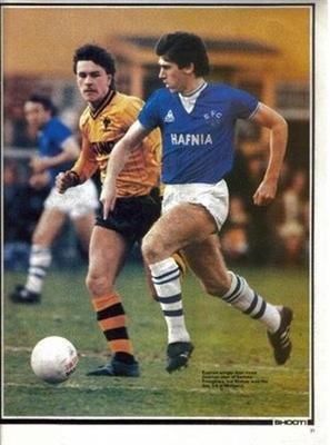 Shoot football magazine Fotos fútbol Revista Everton Alan Irvine Hafnia Camiseta de Jugador Imagen: Amazon.es: Hogar