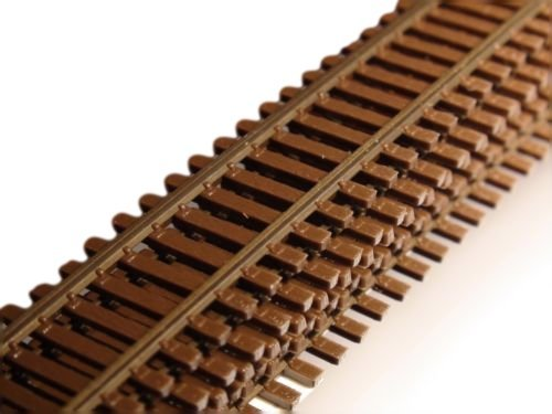 Micro Engineering 10-104 HO-Scale Code 83 Flex Track by Micro Engineering (Track Code Ho 83 Flex)