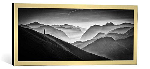 - kunst für alle Framed Art Print: Vito Guarino Hunter in The Fog BW - Decorative Fine Art Poster, Picture with Frame, 31x18 inch, Gold Brushed