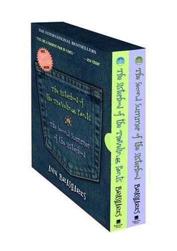 Sisterhood of the Traveling Pants/Second Summer of the Sisterhood Boxed Set by Ann Brashares (2005-09-13) (Pants Traveling Player)
