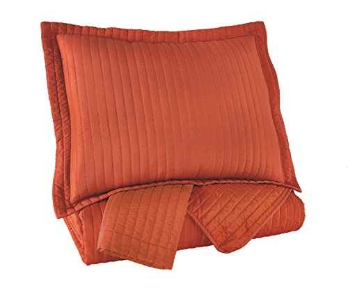 Ashley Furniture Signature Design - Raleda Queen Coverlet Set - Set of 3 - Contemporary - Orange