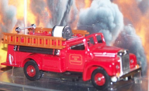 (Corgi CS90011 Mack B Open Pumper Boston Fire Department Die Cast Diecast Fire Engine 1/50 scale)