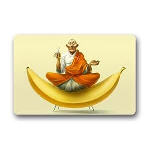 """Monje budista sentado sobre un plátano amarillo–Alfombra, interior/al aire libre Felpudo felpudos, 23.6""""(L) X 15,7(W)"""