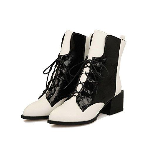 AllhqFashion Damen Spitz Zehe Niedrig-Spitze Gemischte Farbe Stiefel mit Knoten Weiß