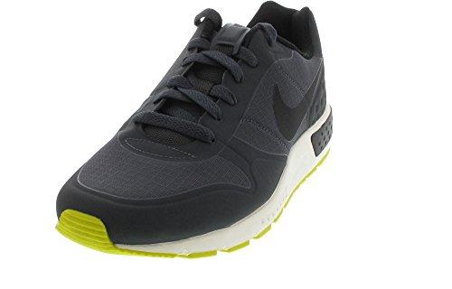 Nike Nightgazer LW Größe 40.5, Farbe schwarz