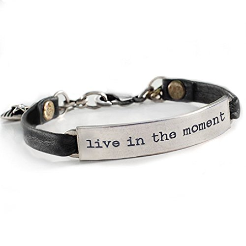 (Sweet Romance Live in The Moment Inspirational Motivational Message Bracelet (Black Leather))