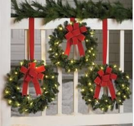 battery operated indooroutdoor pre lit christmas wreaths - Pre Lit Christmas Wreaths Battery Operated