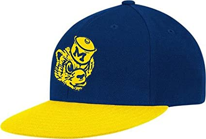 Amazon.com   adidas Michigan Wolverines Flat Visor Snapback Cap One ... 340d8ae8d06