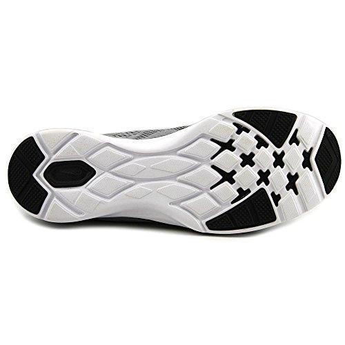 Nike Säsongen Tr 5 Kvinnor Oss 5 Grå Löparsko
