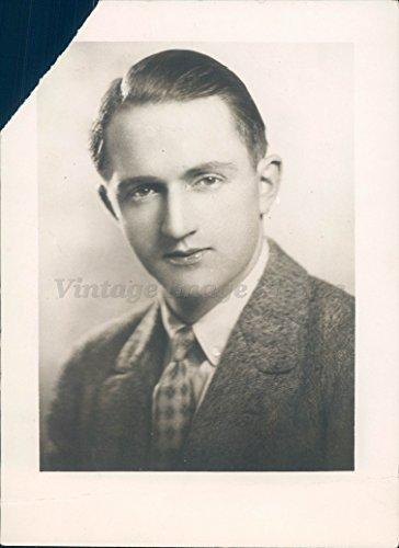 - Vintage Photos 1926 Photo Graham Thome Business Man Portrait Suit Tie Smiling Face Original