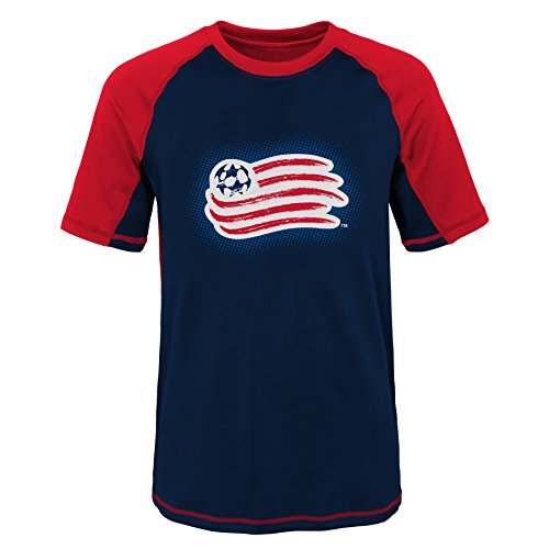 Youth Revolution - MLS New England Revolution Youth Boys 8-20 Short Sleeve Rash Guard, Large (14-16), Red
