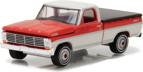 GREENLIGHT 1:64 HOBBY EXCLUSIVE - 1967 FORD F-100 WITH BED COVER 29862